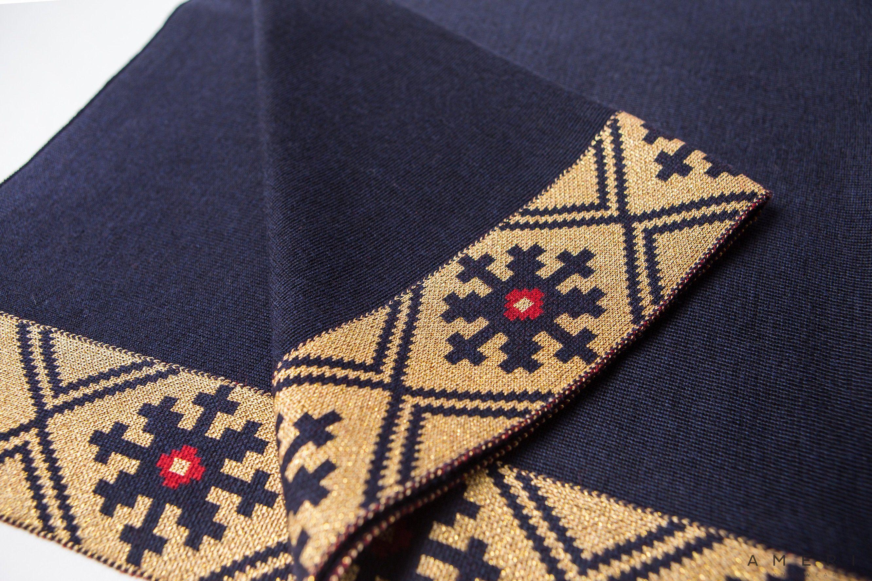 """Pončo """"Spīdola"""" ar tautisku ornamentu"""