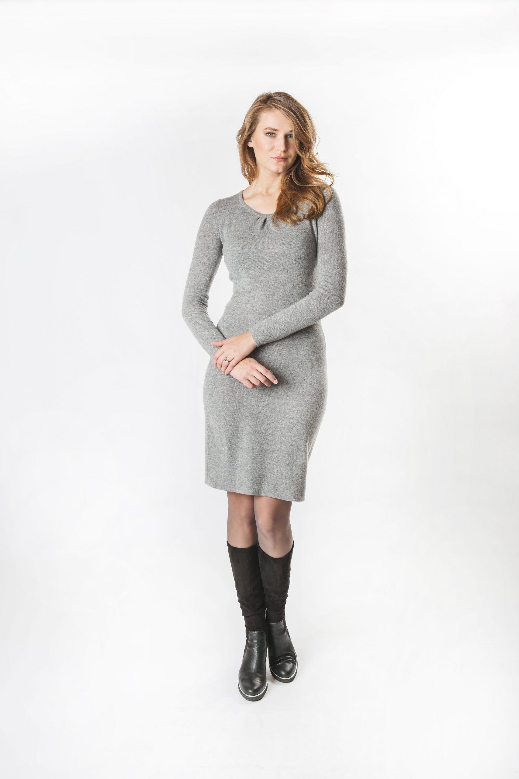 Gaisīga kašmira vilnas kleita