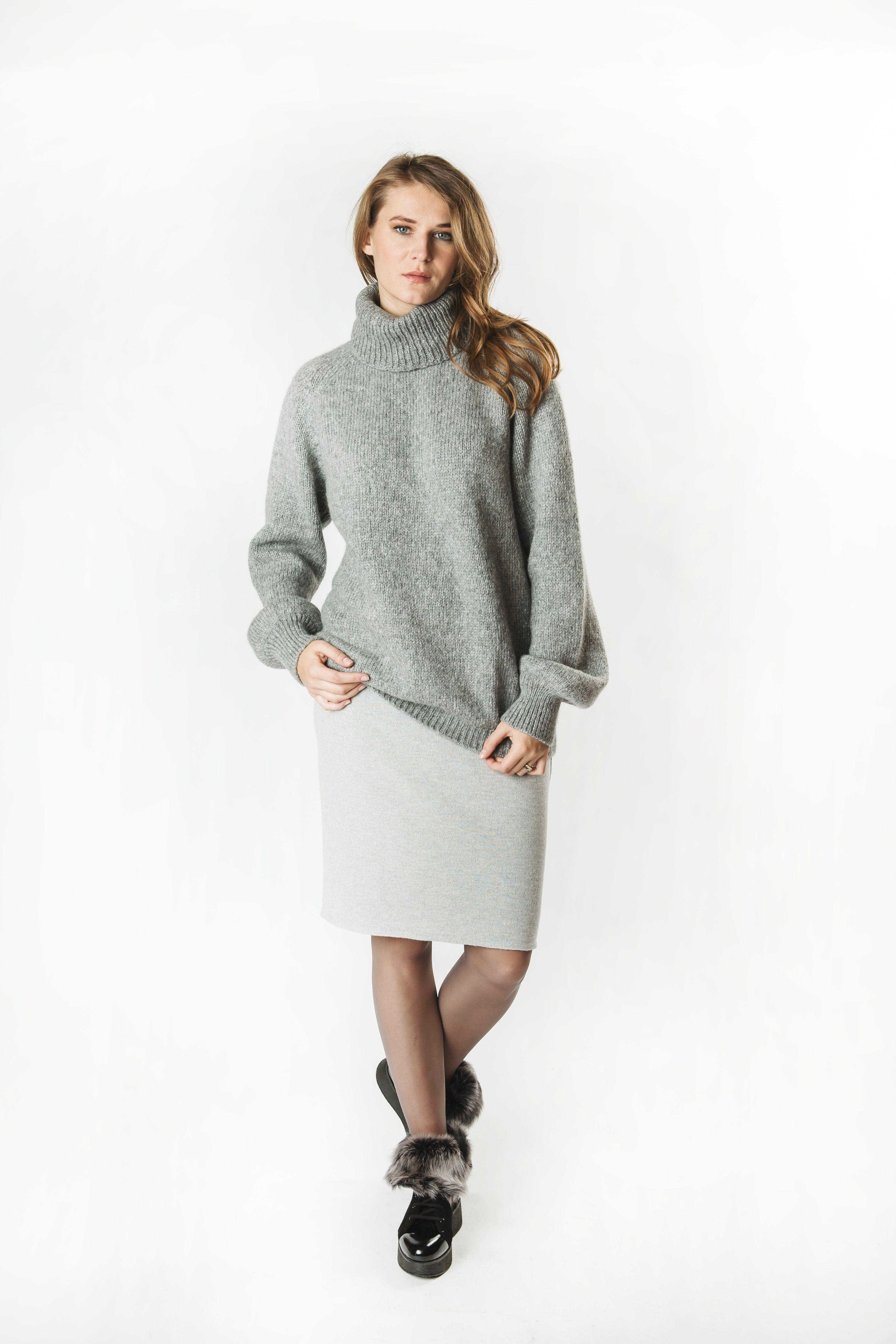 Alpakas vilnas brīvā stila džemperis ar šallveida apkakli