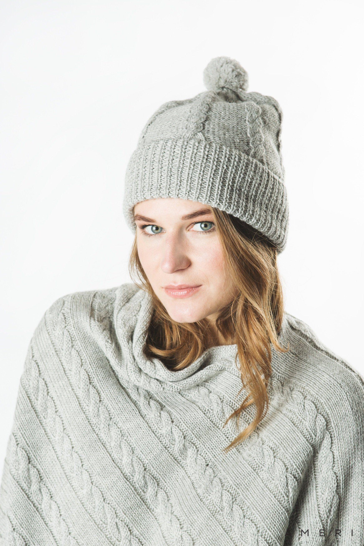 Alpaka cepure pīņu rakstā ar bumbuli